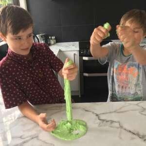 kids making oobleck
